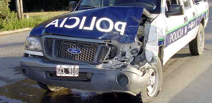 movil-policia-chocado-patrullero-camioneta-minjpg