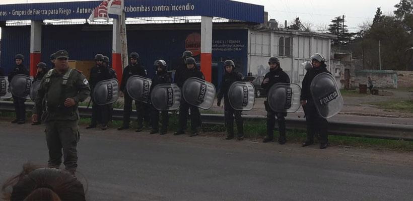 policia brigada segundo cruce.jpg